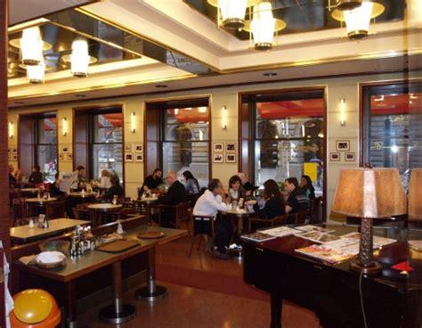 Café Slavia à Prague
