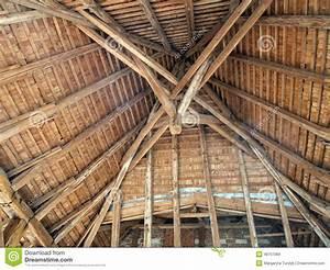 Toit En Bois : vieux toit en bois de l 39 int rieur photo stock image ~ Melissatoandfro.com Idées de Décoration
