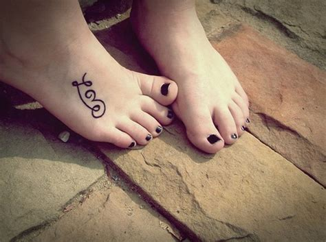 awesome foot  flip flop tattoo designs