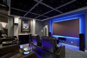 Kino zimmer zu hause led sternenhimmel indirekte for Kino zu hause