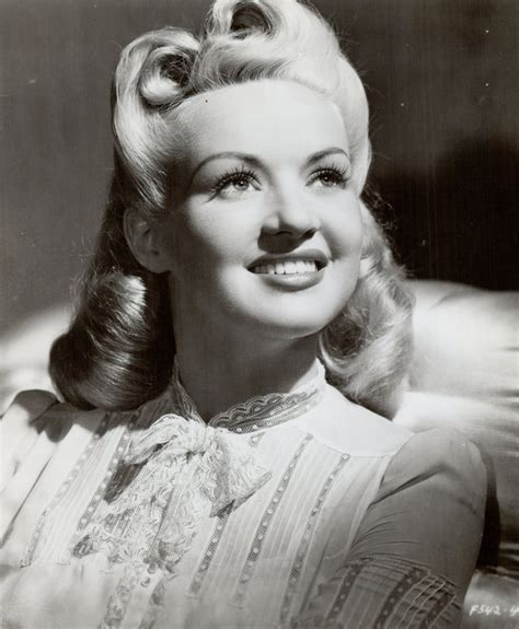 1940s Victory Rolls Hairstyles by The History Of Victory Rolls One Of The Most Iconic And