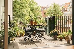comment decorer son balcon maisontravaux With type d isolation maison 17 renovation de toiture petite reparation ou gros travaux