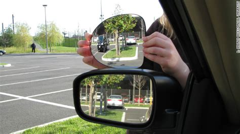 Rear View Mirror Blind Spot by It Exists A Rear View Mirror That Eliminates Blind Spots