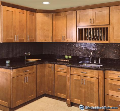 cinnamon colored kitchen cabinets shakertown rta cabinet hub shaker honey cinnamon shaker 5422