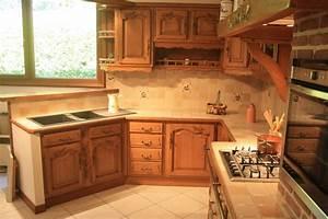 cuisine rustique en chene massif sculpte cuisines liebart With plan maison en longueur 8 cuisine rustique en chene massif cuisines liebart