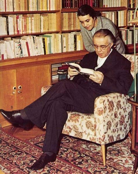 Ndërroi jetë Nexhmije Hoxha - PORTALB