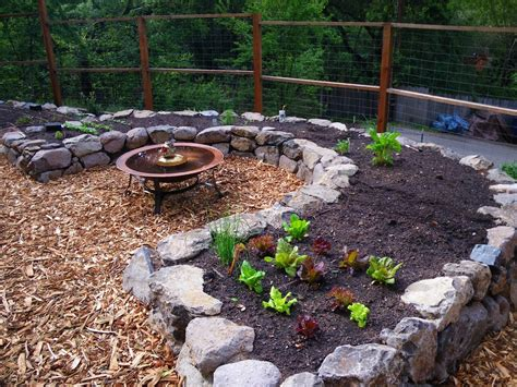 purpose of mulch how to pick the right mulch for your edible landscape edible landscaping made easy with avis licht