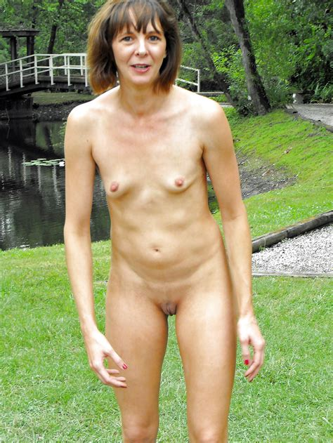 Mature Women Outdoor Naked 3 20 Pics Xhamster