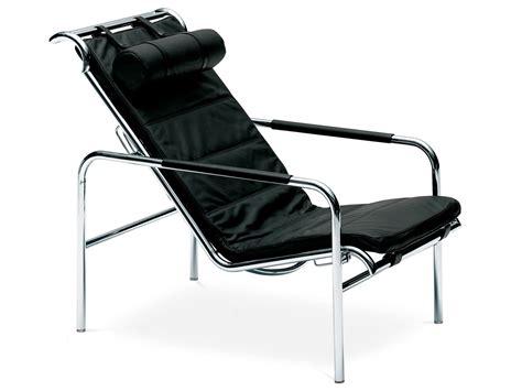 buy the zanotta 920 genni lounge chair at nest co uk