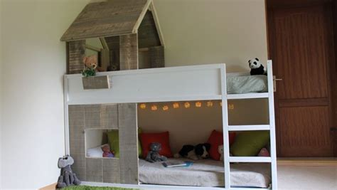 bureau pour lit mezzanine lit cabane kura simple à réaliser bidouilles ikea