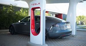 Borne De Recharge Tesla : tesla installe ses premi res bornes de recharge en france l 39 argus pro ~ Melissatoandfro.com Idées de Décoration