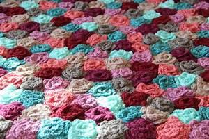 Tapis En Crochet : nouveau tapis fleuri en crochet pointes de folie ~ Teatrodelosmanantiales.com Idées de Décoration