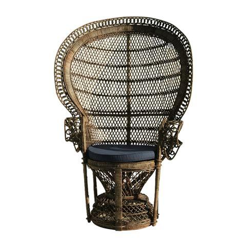le mobilier en rotin revient en dans la maison et le jardin fauteuil emmanuelle en osier