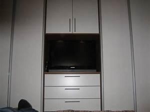 Schlafzimmerschrank Mit Tv : anrichte cubus pure von team 7 mit front in riffholz mit staud media light ~ Markanthonyermac.com Haus und Dekorationen
