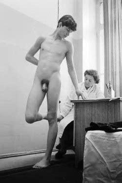 Nackt musterung Nackt HD