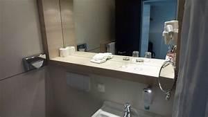 Spiegel Ablage Bad : ablage am waschtisch spiegel rutscht runter h hotel bad soden bad soden holidaycheck ~ Frokenaadalensverden.com Haus und Dekorationen
