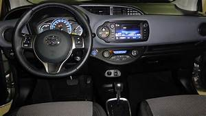 Toyota Yaris Dynamic Business : toyota yaris 3 citadine 5 portes hybride essence 100h bo te automatique ou robotis e ~ Medecine-chirurgie-esthetiques.com Avis de Voitures
