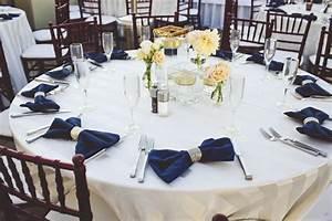 Deco Mariage Bleu Marine : d co de mariage dor paillet et bleu marine mariage id es ~ Teatrodelosmanantiales.com Idées de Décoration