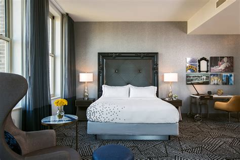 relax   luxury hotel rooms suites  pittsburgh