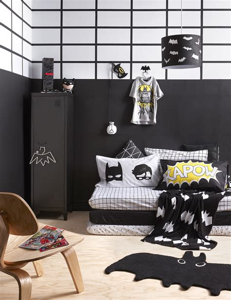 a batman themed kid s room for the win