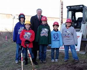 City leaders, children celebrate groundbreaking at Griff's ...