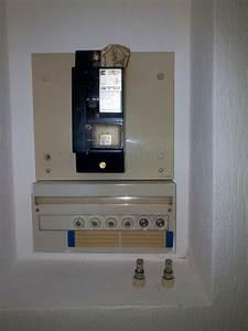 disjoncteur salle de bain dootdadoocom idees de With porte d entrée alu avec luminaire salle de bain avec prise électrique