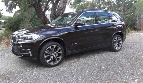 review  bmw  xdrive  review  road test