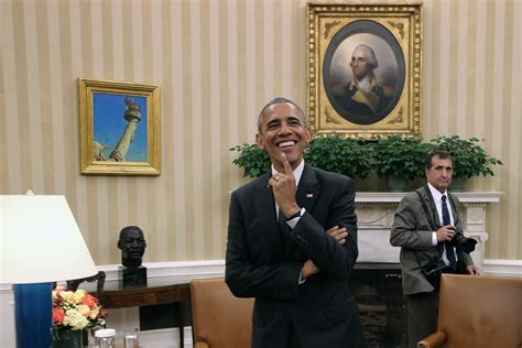 jostling involved obamas white house photographer