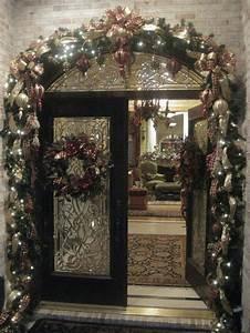 Double Door Porch Christmas Decorating Ideas