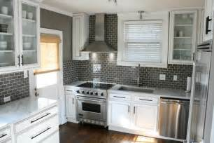 Subway Tile Ideas For Kitchen Backsplash Gray Subway Tile Backsplash Design Ideas
