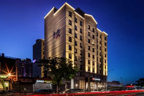 western hotel island plaza long plus york queens hotels ny exterior compare