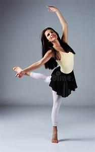 Female Modern Dancer Stock Photo - Image: 34436610