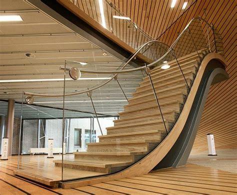 photospour fabriquer  escalier en bois sans efforts