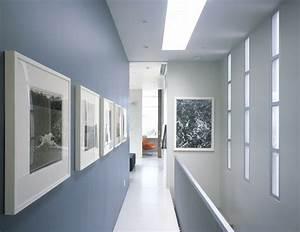 deco entree maison cage d39escalier et couloir en 32 idees With awesome couleur pour couloir sombre 4 deco du couloir en l sol sombre