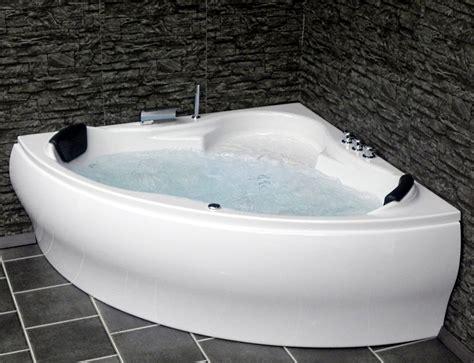 whirlpool badewanne guenstig eckwanne mit massage