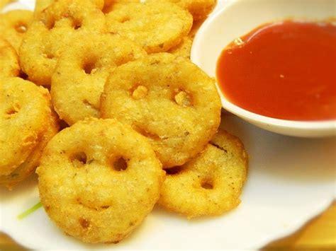 recipe made by potato how to make potato smiley potato smiley recipe kids snack tiffin recipe by khana manpasand