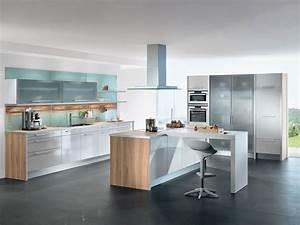 Moderne kuchen aus leobersdorf trendig und individuell for Moderne küchen