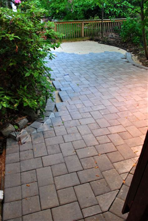 how to lay a paver patio gravel sand and stones