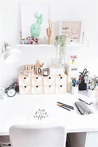 Zimmer Deko Diy : bildschirm podest aus holz inspiration schreibtisch arbeitszimmer einrichten und arbeitszimmer ~ Eleganceandgraceweddings.com Haus und Dekorationen