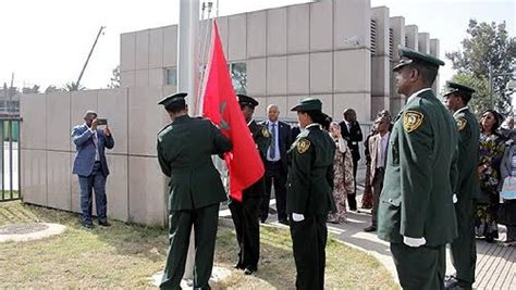 siege de ua le drapeau marocain flotte à nouveau au siège de l ua