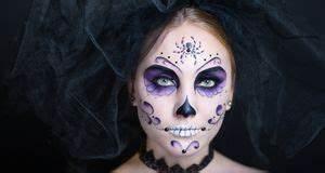 Karneval Gesicht Schminken : totenkopf schminken gruseliges make up sat 1 ratgeber ~ Frokenaadalensverden.com Haus und Dekorationen