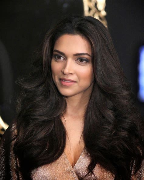 High Quality Bollywood Celebrity Pictures Deepika