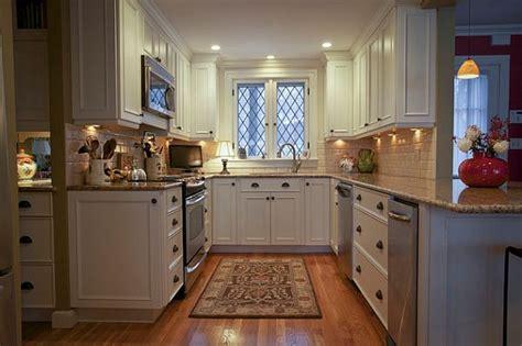 Small Traditional Kitchen Design Maximizing A Small
