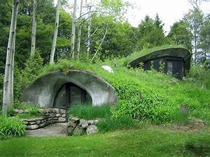 Home On Earth : earth house surrounded by green sigh diy projects pinterest earth house earth and house ~ Markanthonyermac.com Haus und Dekorationen