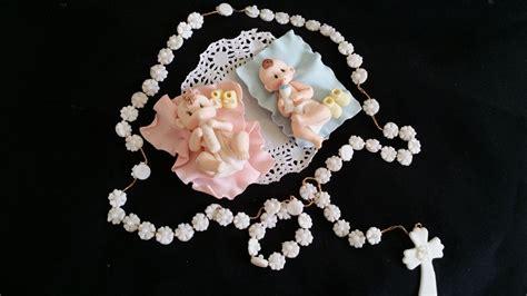 white rosary and baby cake topper decoracion de bautizo