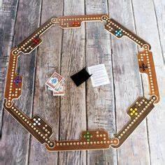 Cribbage board / Celtic Protection Symbol via Etsy Iowas