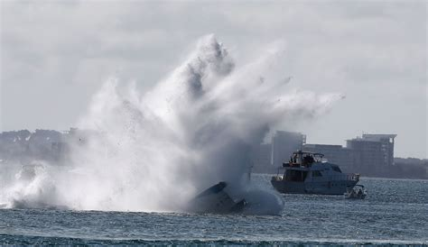 Potomac River Boat Crash by Freak Speedboat Crash On Potomac River Leaves 2 Dead