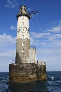 Leuchtturm Ar Men : quinze marins sur le bahut du mort phare d 39 ar men ~ Buech-reservation.com Haus und Dekorationen