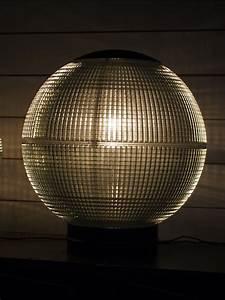 Lampe Industrielle A Poser : grande lampe a poser globe holophane 50 cm ~ Teatrodelosmanantiales.com Idées de Décoration