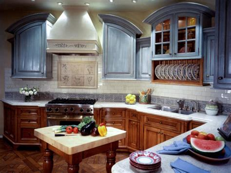 kitchen cabinet doors painting ideas painting kitchen cabinet doors pictures ideas from hgtv 7813